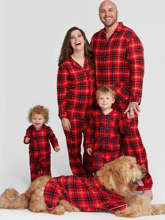 DogMEGA Christmas Family and Dog Matching Pajamas (2)_compressed